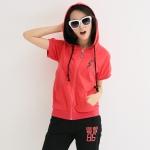 ชุดออกกำลังกายสองชิ้นไซส์ใหญ่ เสื้อแขนสั้น ซิปหน้า มีฮู้ด กางเกงสีดำขาสามส่วน สีแดง/สีเขียว XL 2XL 3XL