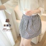 ♥♥หมดค่ะ♥♥ กระโปรงสั้นสีขาวดำ ลายมิโดริ ผ้า woolen เนื้อดีใส่สบาย