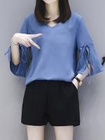 ชุดเซ็ทสีน้ำเงินไซส์ใหญ่ เสื้อชีฟองสีน้ำเงิน คอวี แขนสามส่วนปลายแขนกระดิ่ง+กางเกงขาสั้นสีดำ เอวยางยืด (XL,2XL,3XL,4XL) KJ-8229