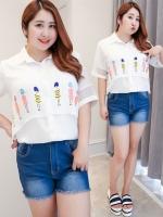 เสื้อเชิ้ตผ้าชีฟองสีขาวพิมพ์ลายช่วงอก (XL,2XL,3XL,4XL)