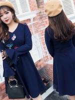 ชุดเดรสสีน้ำเงิน คอวี แขนกระดิ่ง ปักลายผีเสื้อ (XL,2XL,3XL)