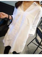 เสื้อเชิ้ตทรงหลวมไซส์ใหญ่ สีขาว คอวี ปกโปโล แขนยาว (F)