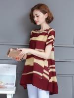 เสื้อชีฟองยาวสีแดงลายเส้นไซส์ใหญ่ คอกลม แขนสั้น ทรงปล่อยปกปิดหน้าท้องได้ดี ชายเสื้อหน้าสั้นหลังยาว (L,XL,2XL,3XL,4XL)