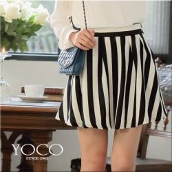 ♡♡Pre Order♡♡ กระโปรงสั้นเกาหลี สีคลาสสิคขาวสลับดำ ลายทางแนวตั้ง ผ้าเนื้อดีพริ้วสวย สวมใส่สบาย น่ารักมากๆ ค่ะ