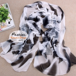 ผ้าพันคอแฟชั่นลายดอกไม้ Blossom : สีขาวดำ CK0105