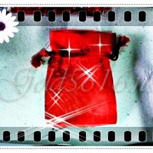 ถุงกำมะหยี่สีแดง หลายขนาด มีซิบ และผูกเชือก