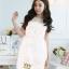 ชุดเดรสเจ้าหญิง สวยหวานน่ารักสีขาว เนื้อผ้าลูกไม้ลายดอกแต่งด้านบนเป็นผ้าตาข่ายซีทรู ดูสวยเซ็กซี่เล็กๆ ประดับมุกเม็ดกลมขาวขุ่น มีสายผ้าป่านคาดเอวสีขาวผูกเป็นโบว์ให้ กระโปรงด้านล่างเป็นผ้าแก้วสวยๆ thumbnail 1