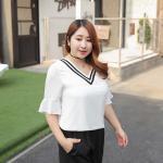 ♥พร้อมส่ง♥ เสื้อชีฟองไซส์ใหญ่ คอวี แขนกระดิ่ง สีขาว (2XL) ZX0130