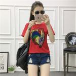 เสื้อยืดสีแดงแขนสั้นแต่งกลิตเตอร์รูปไก่(ระกา) [XL,2XL,3XL,4XL]