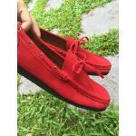 รองเท้าหนังกลับแท้ รุ่นคลาสสิค สีแดง