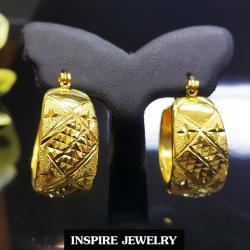 INSPIRE JEWELRY ต่างหูห่วงทองตัดลายหน้าใหญ่ สวยงาม ใส่ถอดง่าย หน้ากว้าง1.2cm วงในขนาด 1.5x1.5cm ใส่ได้กับเสื้อผ้าชุดแบบ ของขวัญวันเกิด วันแม่ ปีใหม่ วาเลนไทน์