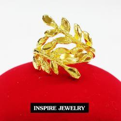 Inspire Jewelry แหวนทองตอกลายรูปใบมะกอก เครื่องประดับมงคล ชุบเศษทองแท้ 24K