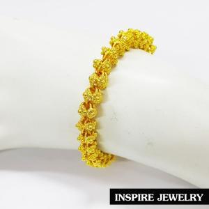 Inspire Jewelry สร้อยข้อมือทองลายดอกพิกุลห้อยหัวใจ ลายโบราณ อนุรักษ์ไทย สวยงามมาก ปราณีต ราคาประหยัด ใช้ตกแต่งเสื้อผ้าไทย หรือใส่ประดับ ผ้าซิ่น ผ้าถุง