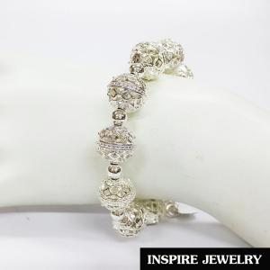 Inspire Jewelry ,สร้อยข้อมือ แบบโบราณ สีเงิน สวยงาม สำหรับการแต่งกายชุดไทย ชุดพื้นเมือง ใส่กับผ้าไทย การะเกตุ ตามรอยละคร แต่งไทย บุพเพสันนิวาส เครื่องเงิน