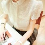 """""""พร้อมส่ง""""เสื้อผ้าแฟชั่นสไตล์เกาหลีราคาถูก เสื้อผ้าไหมเนื้อดีสีขาว กระดุมผ้าหน้า อกแต่งผ้าลูกไม้สีขาว น่ารักค่ะ"""