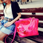 กระเป๋าแฟชั่น Maomao กระเป๋าพลาสติกใส ด้านในมีกระเป๋าซิปเย็บติดกัน มีสายสะพายให้2แบบ แบบโซ่และหนัง สวยเก๋ กันฝนค่ะ -สีชมพู