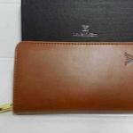 กระเป๋าสตางค์   Louis Vuitton ซิปเดียว มาใหม่ ขนาด  4x7.5 นิ้ว หนังสวยเนี๊ยบ สีน้ำตาล