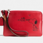 Coach Red X Peanuts Snoopy Corner Zip Small Wristlet # 65193 สี Classic Red