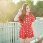 """""""พร้อมส่ง"""" เสื้อผ้าแฟชั่นไทย Set เสื้อ + กางเกงลายดอกเดซี่ -สีแดง"""