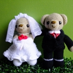 ตุ๊กตาถักไหมพรม คู่แต่งงาน จนาดสูง 9 นิ้ว <<< ขายแล้ว >>>