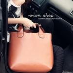 """""""พร้อมส่ง""""กระเป๋าแฟชั่น Vivian กระเป๋าถือใบใหญ่ มีกระเป๋าอีกใบด้านในถอดออกมาได้ค่ะ -สีน้ำตาล"""