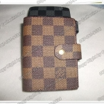 กระเป๋าใส่นามบัตร Louis Vuitton ขนาด 4.5x3.5 นิ้ว ลายตารางน้ำตาล