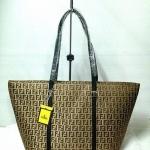 กระเป๋า Fendi Shopping มาใหม่ งานสวยผ้าท้อ มาพร้อม การ์ค ถุงผ้า Size 16 นิ้ว  สีตามรูป