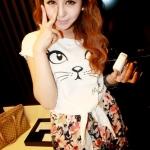 """""""พร้อมส่ง""""เสื้อผ้าแฟชั่นสไตล์เกาหลีราคาถูก เสื้อยืดด้านหน้าเป็นรูปหน้าแมว ด้านหลังเป็นลูกไม้ สีขาว ด้านหน้ามีปลายไว้ผูกเอว"""