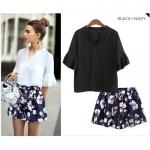 [PRE-ORDER] ชุดเซ็ท 2 ชิ้น เสื้อชีฟอง สีดำ/สีขาว +กางเกงขาสั้นสีน้ำเงินลายดอกไม้ (XL,2XL,3XL,4XL,5XL)