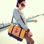 กระเป๋าแฟชั่นMaoMao กระเป๋า PU สกรีนรูปกวางเหมือนที่วิคตอเรียใช้ -สีน้ำเงินเหลือง