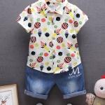 ชุด 2 ชิ้น เสื้อเชิ้ตผ้ายืดเนื้อนุ่มใส่สบายลายจรวด + กางเกงผ้าฝ้ายสียีนส์ไม่ละลายเคืองผิวลูกน้อย