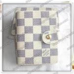 กระเป๋าใส่นามบัตร Louis Vuitton ขนาด 4.5x3.5 นิ้ว ลายตารางขาว