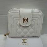 กระเป๋าสตางค์ Chanel มาใหม่ แบบสั้น หนังนิ่ม มีช่องใส่เหรียญ  ขนาด  4 x 5  นิ้ว  สีขาว