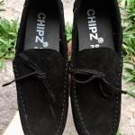รองเท้าหนังกลับแท้ รุ่นคลาสสิค สีดำ