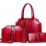 ***พรีออเดอร์ * กระเป๋า 4 ใบเซท สีเลือดหมู ประกอบไปด้วย กระเป๋าถือ กระเป๋าสะพายข้าง กระเป๋าสตางค์ และ กระเป๋าใส่กุญแจ ผลิตจากหนัง PU คุณภาพดี หนังมันเงา ดีไซน์เรียบหรู ไม่ว่าจะหิ้วหรือสะพายก็ดูดีมาก มาก
