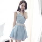 """""""พร้อมส่ง""""เสื้อผ้าแฟชั่นสไตล์เกาหลีราคาถูก Brand Cherry KOKO เดรสแขนกุดผ้ายีนส์สีฟ้า คอวี ด้านหน้าช่วงอกติดมุก มีผ้าลูกไม้คาดเอวผูกติดกับเอว มีซับในชายเป็นลูกไม้ มีเข็มกลัดมุกรูปโบว์ให้ ใส่ออกงานสวยค่ะ size M"""