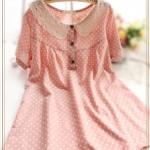 """""""พร้อมส่ง""""เสื้อผ้าแฟชั่นสไตล์ญี่ปุ่นราคาถูก มิินิเดรสลายจุดแขนสั้น คอปกถัก ผ่ากระดุมหน้า 3เม็ด ไม่มีซับใน -สีชมพู"""