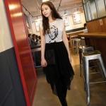 """""""พร้อมส่ง""""เสื้อผ้าแฟชั่นสไตล์เกาหลีราคาถูก Brand Cherry KOKO เดรสเสื้อผ้าฝ้ายสีขาวสกรีนรูปหน้า ต่อกระโปรงชีฟองสีดำ ชายไม่เท่ากัน มีซับในช่วงกระโปรง จั๊มเอว"""