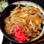 ข้าวหน้าเนื้อ สไตล์ญี่ปุ่น