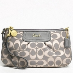 COACH OUTLINE SIGNATURE LARGE WRISTLET # 47524 สี GRAY