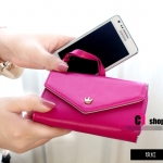 """""""พร้อมส่ง""""กระเป๋าใส่iPhone 4/4s, iPhone 5,samsung i9100 แบบมงกุฏ 3ช่อง มีซิป -สีชมพูเข้ม"""
