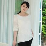 เสื้อชีฟองลายสก๊อตลายดอกกุหลาบ สีขาว ปลายแขนระบายติดไข่มุกสวยหรู (L,XL,5XL)