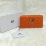กระเป๋าสตางค์ MK มาใหม่ ซิปเดียว งานสวย ขนาด 4.5x7 นิ้ว ราคา 400 บาท สีส้ม