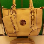 กระเป๋า Mulberry  มาใหม่ ทรงสวยเก๋  ขนาด 13 นิ้ว พร้อมลูกกระเป๋า พร้อมสายยาว สีเหลือง