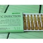วิตามินซีน้ำ V-C INJECTION กล่องเขียว ขนาด 1 กล่อง บรรจุ 10 หลอด หลอดละ 2 ml. วิตามินซีแบบน้ำ (เซรั่ม) ใช้ได้ทั้งฉีดและทาหน้าให้ใส หรือจะผสมครีมบำรุงผิวที่ใช้ทาหน้าเป็นประจำก็นุ่มเนียน ทำให้ผิวสดใส ขาวเนียนและช่วยสร้างคอลลาเจน บำรุงผิวและลดรอยแผลเป็น