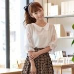 """""""พร้อมส่ง""""เสื้อผ้าแฟชั่นสไตล์เกาหลีราคาถูก Brand Magic Closet เสื้อชีฟองสีขาว แขนยาว ช่วงแขนแต่งลูกไม้ แขนจั๊ม คอปกแต่งลูกไม้ถัก กระดุมคอด้านหลัง 1 เม็ด ไม่มีซับใน"""