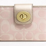 COACH PENELOPE OUTLINE SIGNATURE TURNLOCK MEDIUM WALLET # 47349 สี Pink