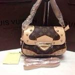 กระเป๋า Louis Vuitton มาใหม่ ขนาด 9 x 6 นิ้ว หนังสวยเนี๊ยบ งานอะไหล่ปั๊มทุกจุด ลายโมโนแกรม