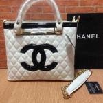 กระเป๋า Chanel มาใหม่ งานสวยเนี๊ยบ ขนาด 12 นิ้ว พร้อมสายยาว สีขาว