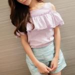 """""""พร้อมส่ง""""เสื้อผ้าแฟชั่นสไตล์เกาหลีราคาถูก เสื้อระบายผ้าฉลุลายดอกไม้ เว้าไหล่ สวยค่ะ -สีม่วง"""